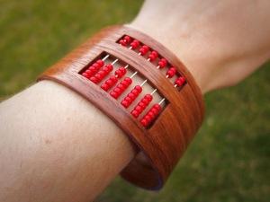 DIY Abacus Bracelet via Instructables[4]